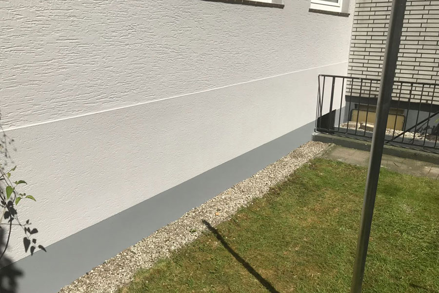 16_Fassadensanierung_Reparatur_Malermeister_Lackierer-joerg-maass_bergisch-gladbach_refrath
